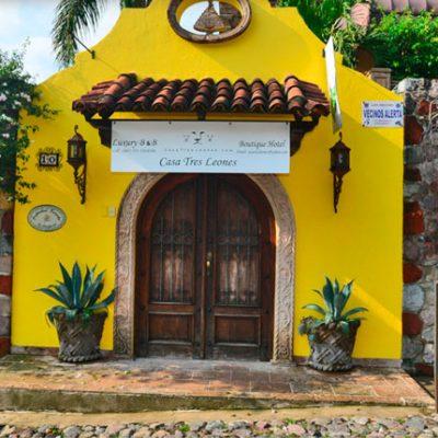 Casa Tres Leones
